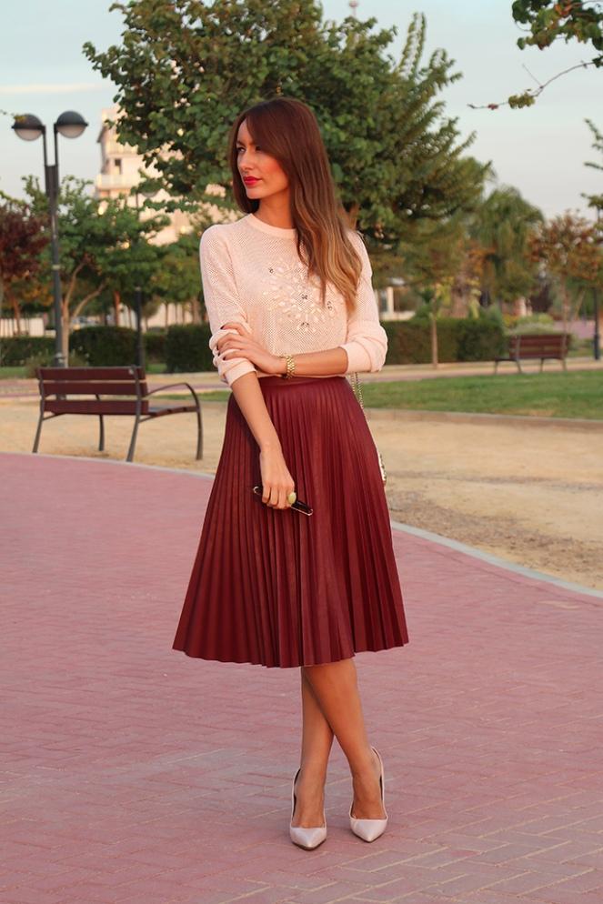 blog_fashion_ainatrendy_fashionblogger_streetstyle_faldamidi_plisado_jerseycristales_granate_leathershoes_zara_tintoretto_clutch_november_trendy_0