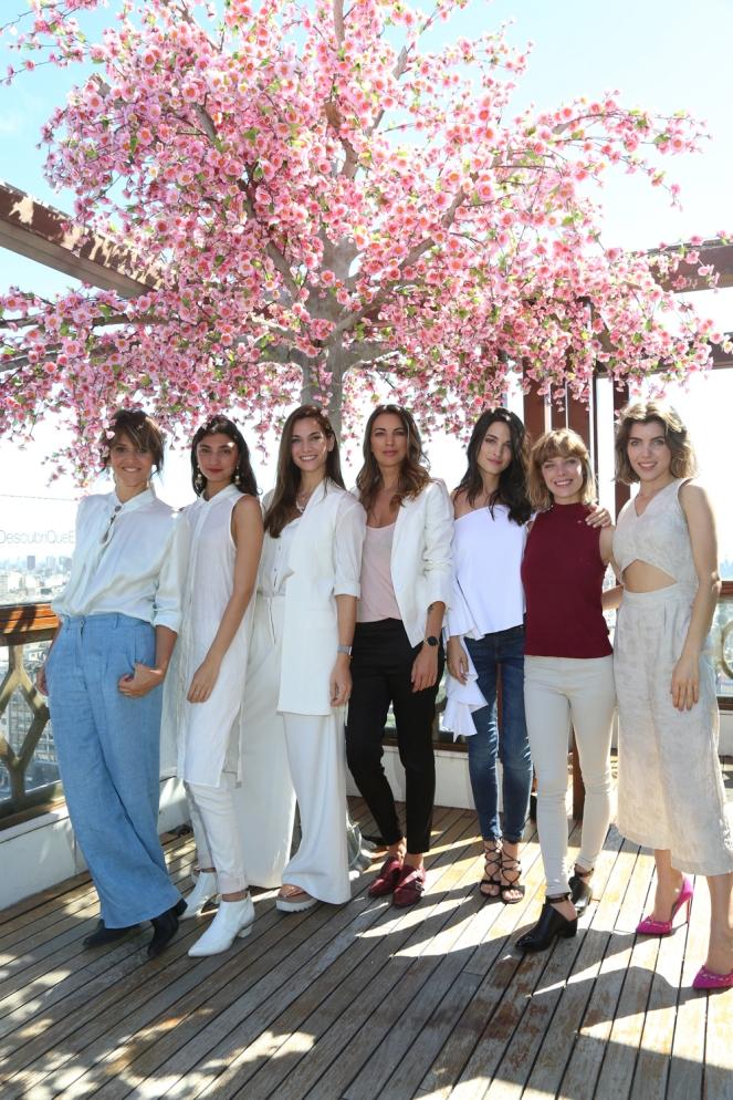 María Freytes, Paloma Cepeda, Florencia Fabiano, Deborah de Corral, Carla Moure, Laura Laprida y Josefina Scaglione presentes en el lanzamiento de Hydro Boost