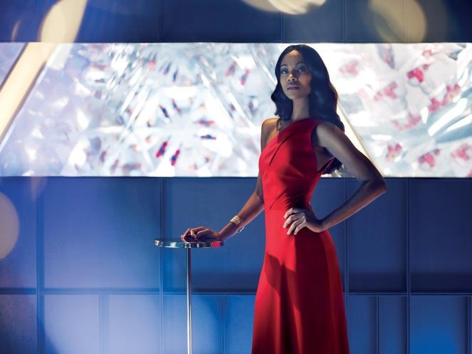 Mia Parc protagonizada por Zoe Saldana en La leyenda de la Mano Roja PH. Matteo Bottin.jpg