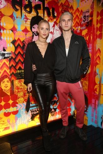 Francisco Tinelli y su novia Martina Villar, ambos con nuevo look